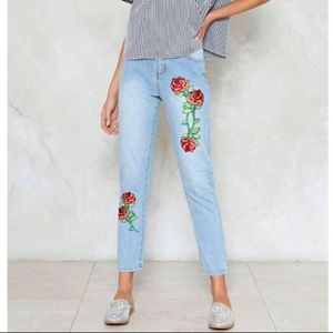 🌹 Life Rose On Embroidered Jeans - NastyGal 🌹